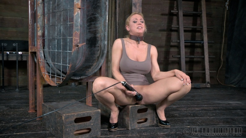 Live bdsm sex shows — pic 10